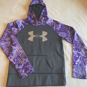 Under Armour sweatshirt (size youth Large)